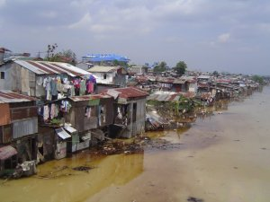 A community in Pasig City remains flooded days after tropical storm Ondoy hit Metro Manila and nearby provinces (photo from Bayan - NCR)