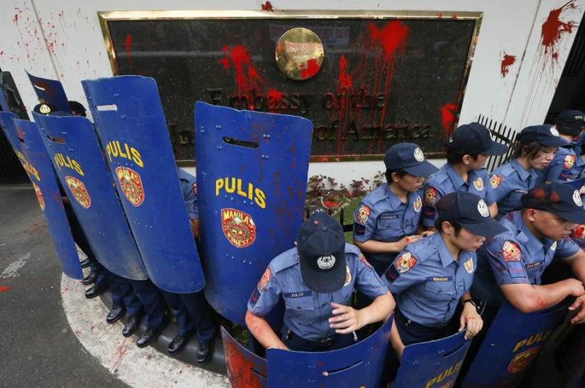 philippines_us_violent_protest-3