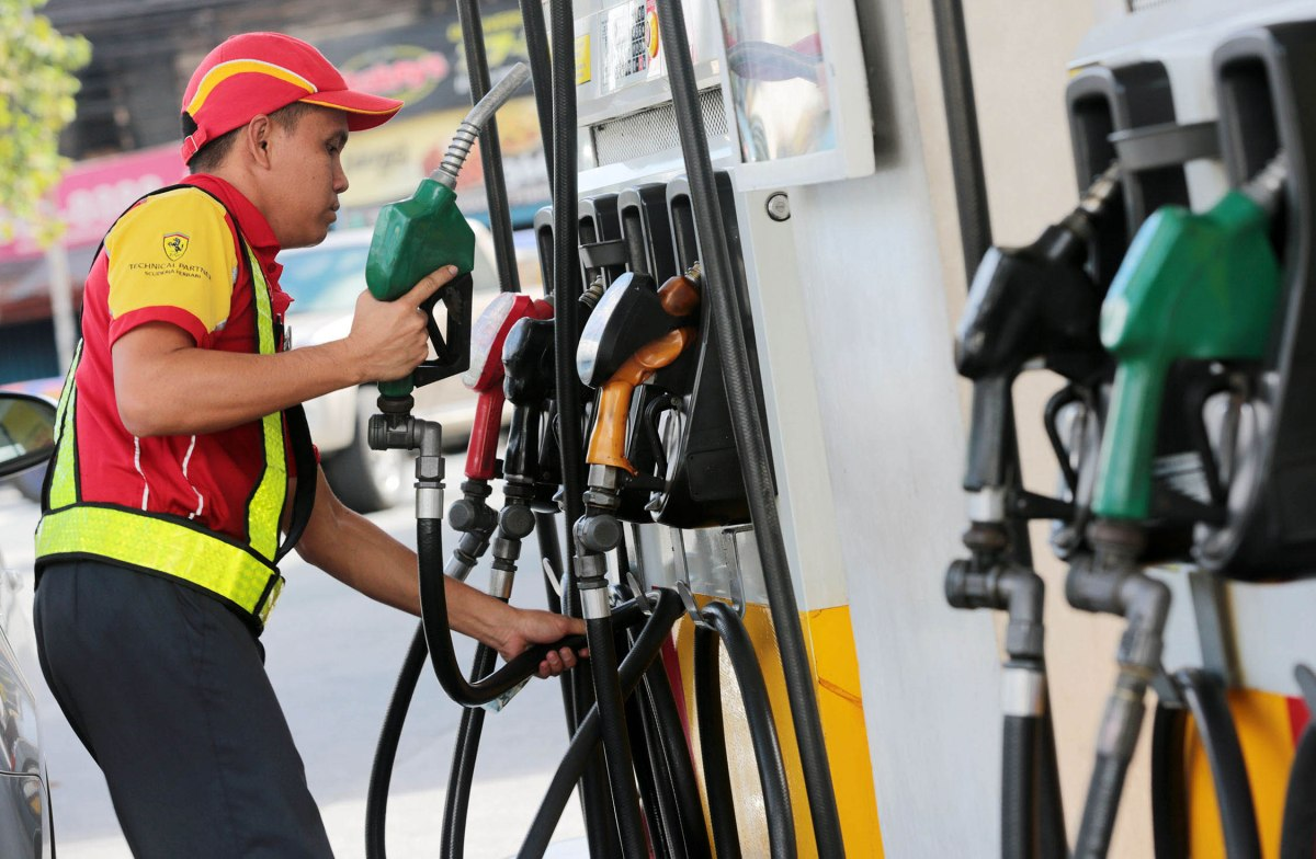Oil firms, government earn almost PHP10 M daily extra income from unjustified price hikes